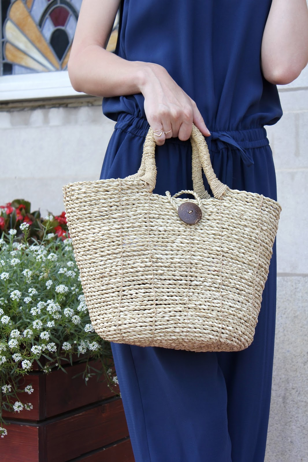 Straw button front tote