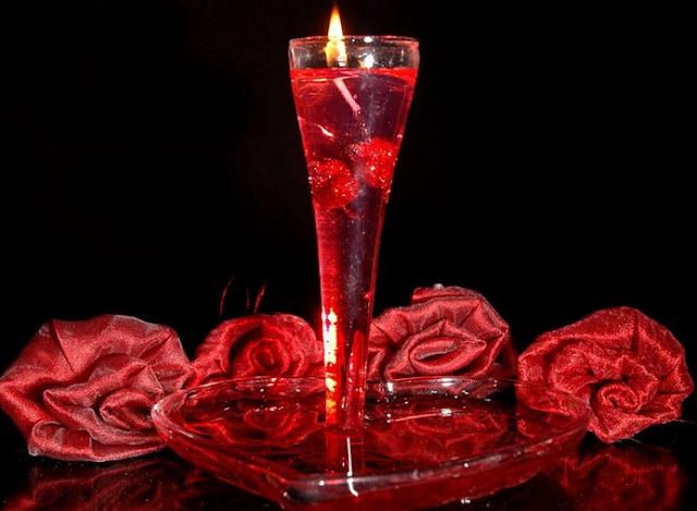 مسجات عيد الحب للحبيب للأزواج للمخطوبين