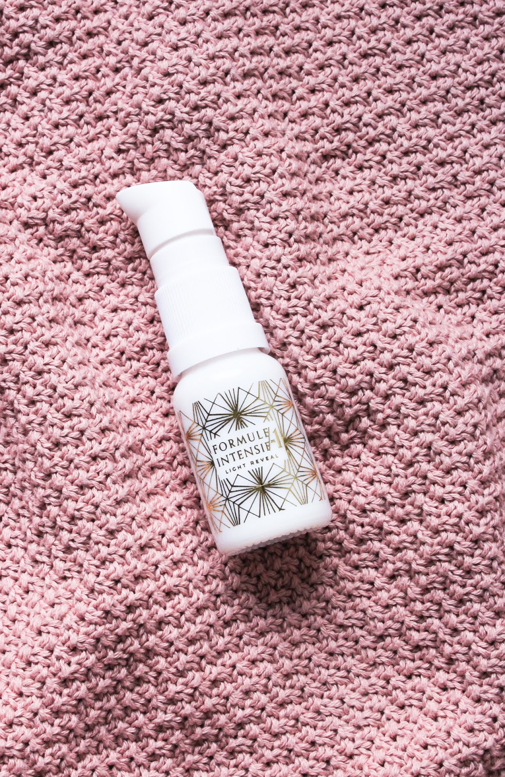 Wabi-Sabi Botanicals Light Reveal Targeted Treatment Serum Indie Beauty Spotlight Discovery by Beauty Heroes
