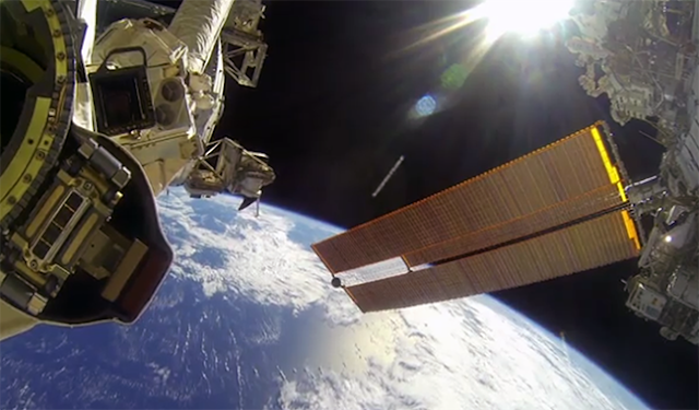 ¿Spacewalks action cameras? NASA astronauts take hold of GoPro