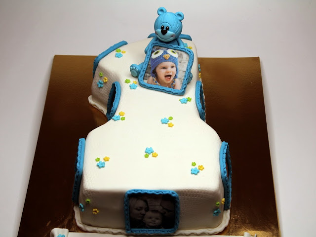 1st Birthday Cake in London