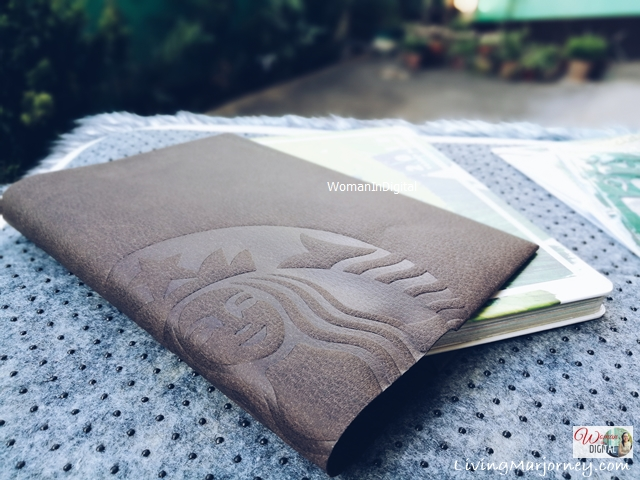 Starbucks-Planner-2018-with-Leather-Sleeve