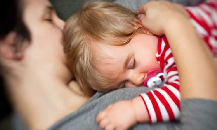Bagaimana Cara Agar Bayi Bisa Tidur Sendiri Tanpa Harus Digendong Maupun Menyusu Dan Kelonin