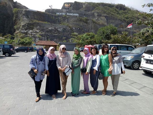 Tips Mengunjungi Tempat Wisata di Bali Bersama Teman-teman, Pantai Pandawa Bali