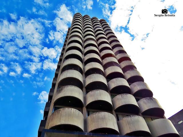 Perspectiva inferior da fachada do PalmLeaf Slim - Liberdade - São Paulo