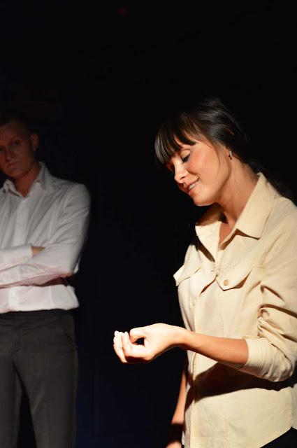 Часовая постановка «Я его знаю» сделана по книге Светланы Алексиевич «Время секонд хенд»