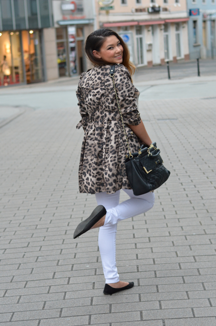 trenchcoat outfit, white skinny jeans outfit, Leopard Trench Coat, Queen's Wardrobe, Queen's Wardrobe Leopard Trench Coat, Leopard Print, Trench Coat, Primark Top, Skinny Jeans, YMI Jeans, YMI Skinny Jeans, Marc B. Bag, MakeMeChic Pointy Flats