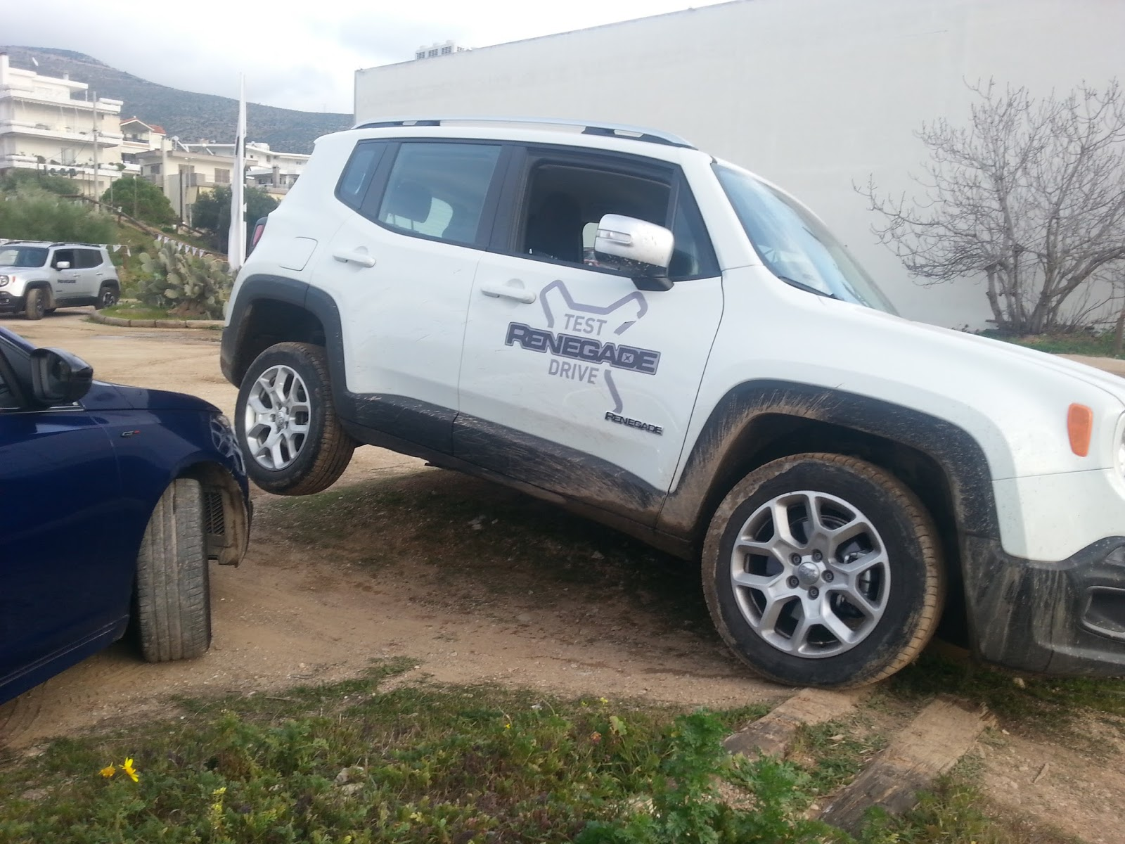 jeep%2Bvasiki Διαγωνισμός ξανά: Και θα οδηγήσεις το Renegade στη λάσπη και θα πάρεις δώρο! Jeep, Jeep Renegade, zblog, ΔΙΑΓΩΝΙΣΜΟΣ