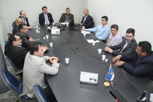 Entidades e Sefaz-PE discutem criação de regime tributário específico para o Polo de Confecções