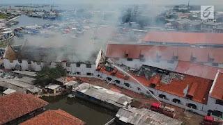 Kali ini kita akan membahas sebuah materi pembelajaran bahasa indonesia yaitu tentang 7 contoh teks berita singkat sederhana 2018 tentang bencana alam, pendidikan, sekolah, kecelakaan, dan kebakaran sesuai 5W 1H beserta strukturnya terbaru, semoga dapat membantu