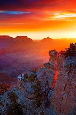 Salida del Sol en el Gran Cañón