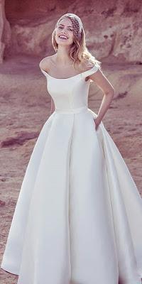 18 Romantic Off The Shoulder Wedding Dresses