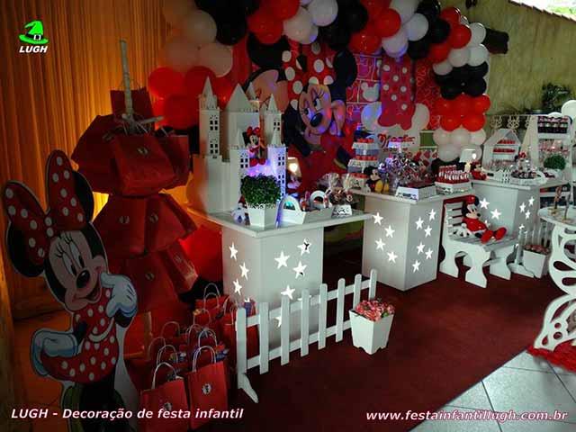 Mesa temática infantil Minnie Mouse para festa de aniversário