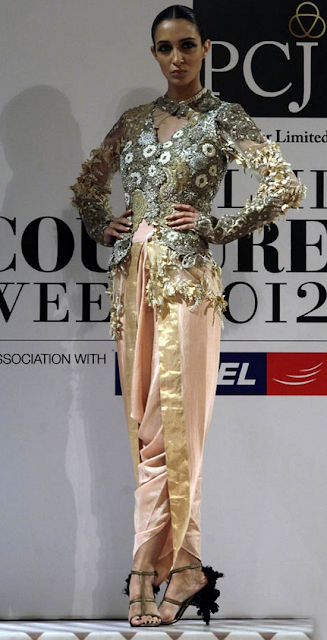 Scarlet Bindi South Asian Fashion And Travel Blog By Neha Oberoi Delhi Couture Fashion Week Day 2