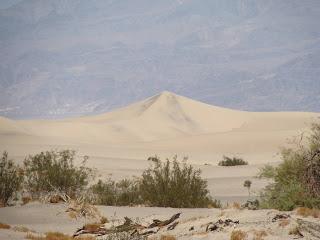 USA Reise Experten-Fahrt durch das Death Valley Richtung Las Vegas