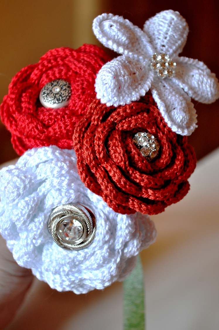 how to make crochet flowers