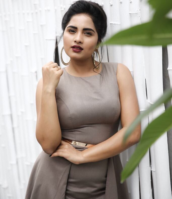 Actress SrushtiDange Latest HD Images