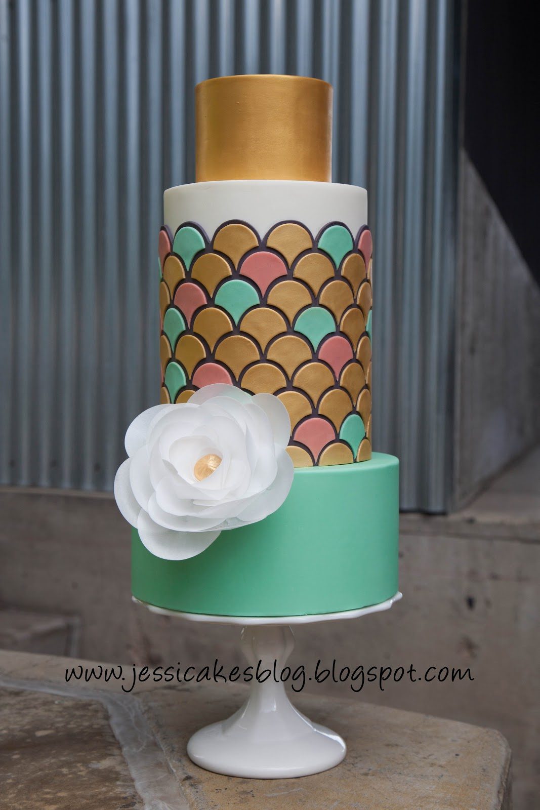 """It s here second class """"Simply Modern Cake Design"""
