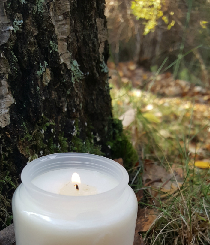 pyhäinpäivä - sytytän kynttilän