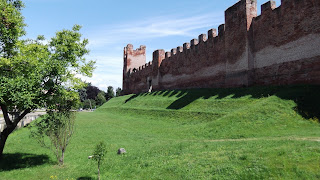 The impressive walls of Castelfranco Veneto