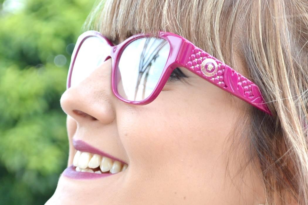Fotografei com um modelo lindo, na armação PINK! adb96c2665