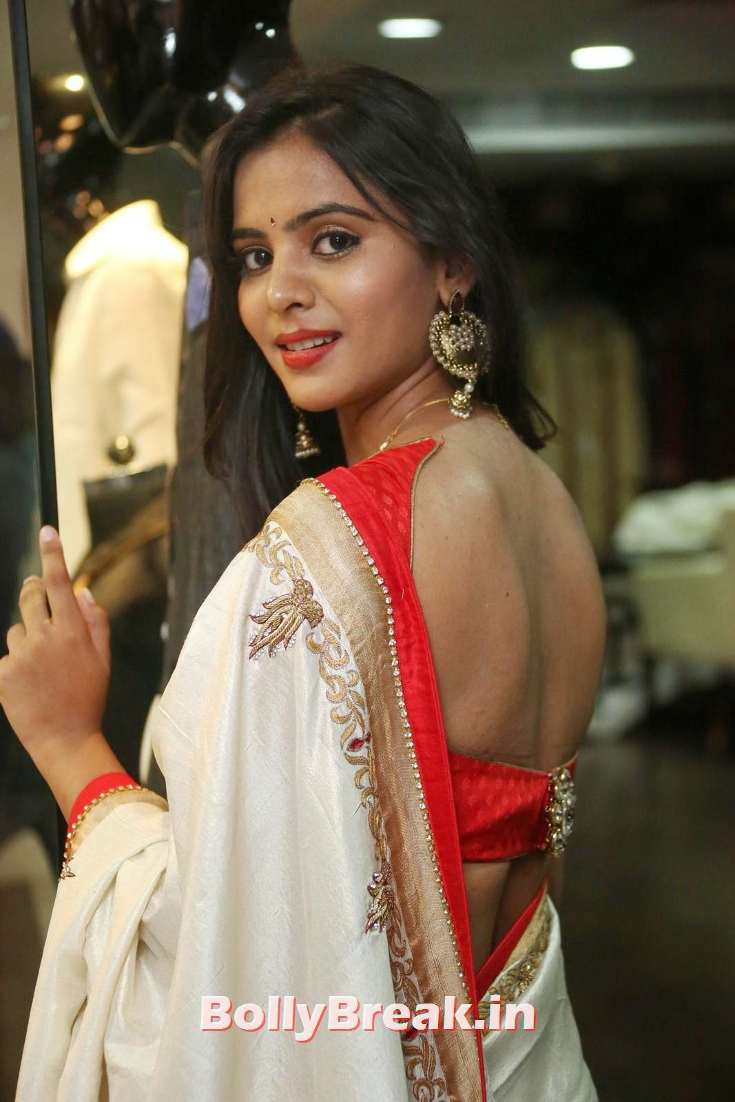 , Manasa Backless Saree Photo Gallery