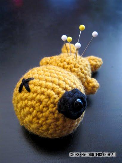 amigurumi voodoo doll keychain pattern: http://abbygurumi.tumblr ... | 545x409