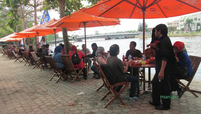 Wisata Kuliner di Tepian Sungai Martapura