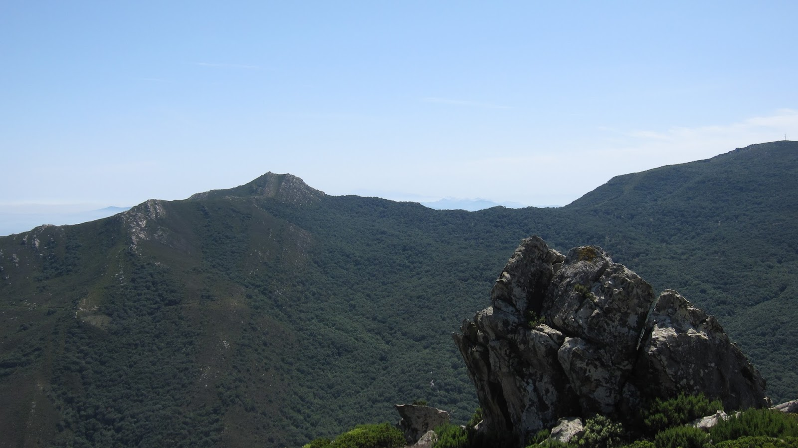 Nudismo en el campo de gibraltar turismo de naturaleza en for Paginas de nudismo