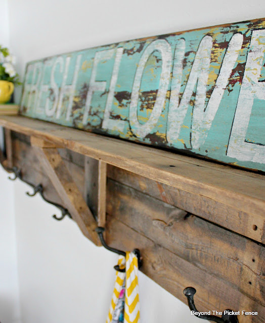 make a vintage style advertising sign with this paint technique