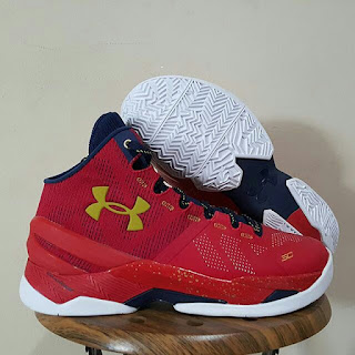 UNDER ARMOUR CURRY 2 HIGH SEPATU BASKET PREMIUM