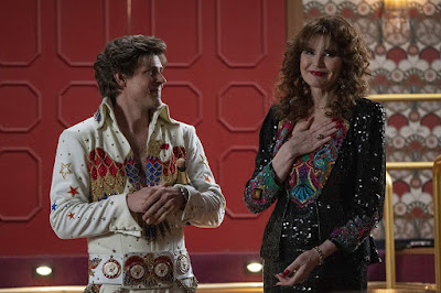 Glow Season 3 Chris Lowell Geena Davis Image 1