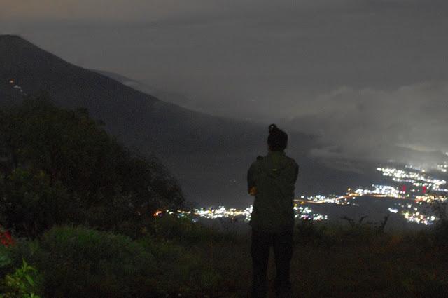 Indahnya Gunung Sumbing yang damai