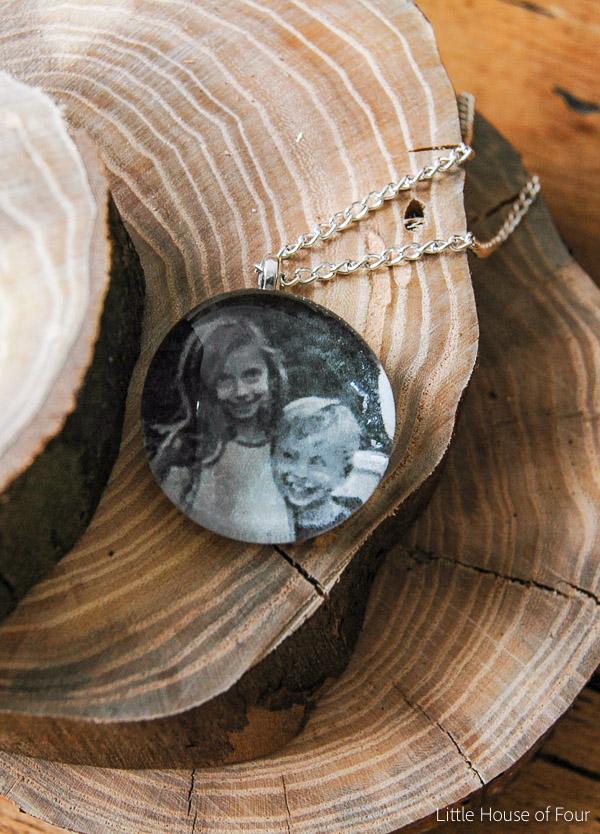 Personalized glass bead pendant