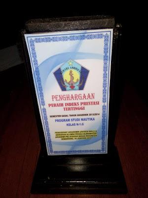 Penghargaan peraih IP tertinggi dari Dosen Wali