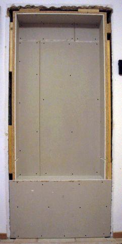 plain white eine garderobennische in der durchgangst r. Black Bedroom Furniture Sets. Home Design Ideas