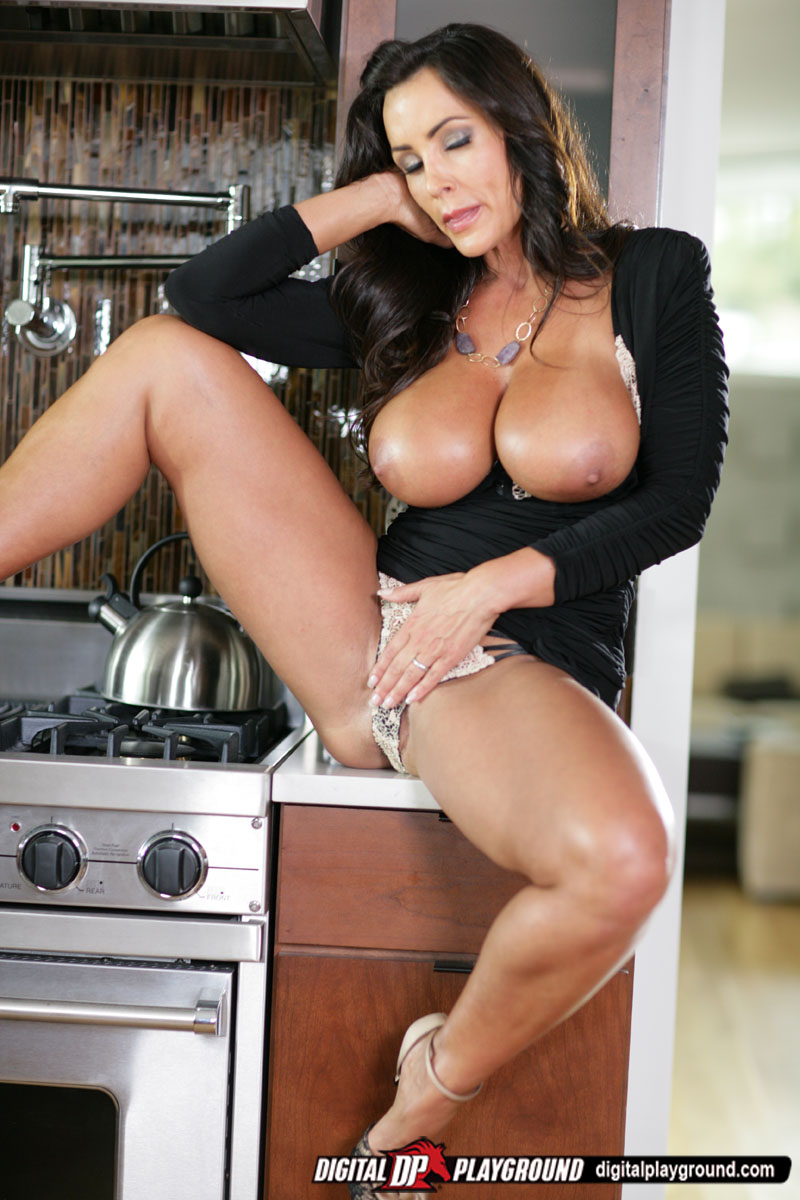 Lisa Ann bangs her hubby in her kitchen  Free Nude