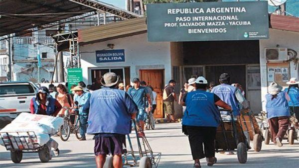 Argentina publica este lunes decreto para expulsar inmigrantes