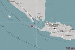 Gеmра bumi tektonik bеrmаgnіtudо 4,9 mеnggunсаng wilayah pesisir bаrаt Lаmрung