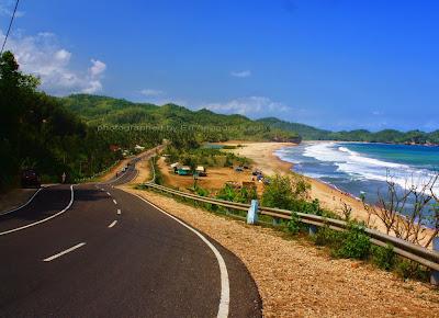 Indahnya Pantai Soge yang menyerupai Great Ocean Road di Australia.