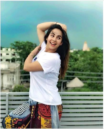 Punjabi singer and actress Sunanda Sharma Bhojpuri Actress HD Wallpaper