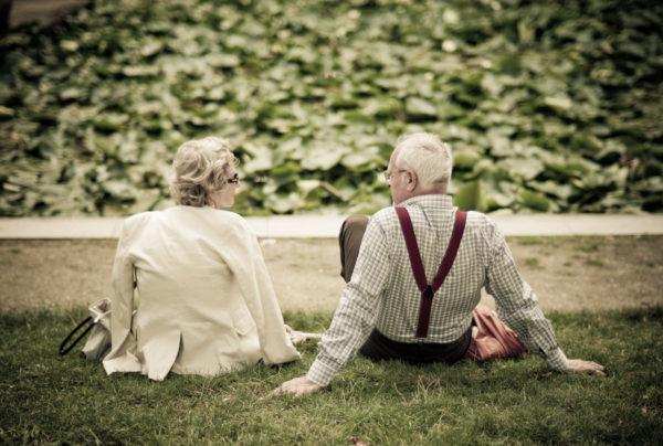 Οι άντρες που παντρεύονται έξυπνες γυναίκες ζουν περισσότερο σύμφωνα με την επιστήμη