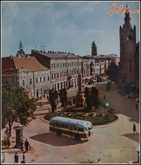 Мукачево. Площадь Кирилла и Мефодия. Воинский мемориал