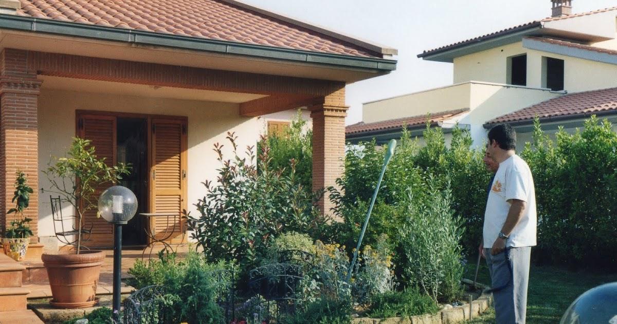 I giardini di carlo e letizia il giardino di riccardo for Angolo giardino