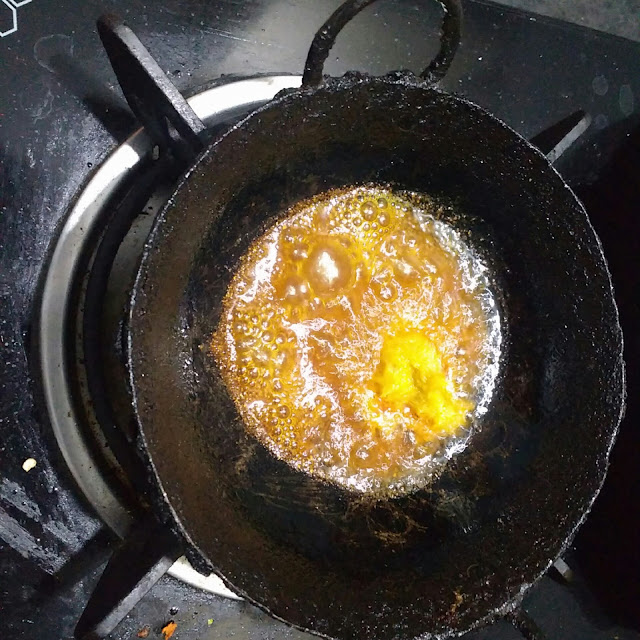 food:heat oil with turmeric powder