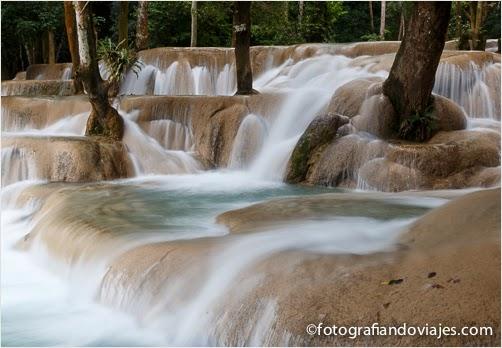 Cascada de Tad Sae cerca de Luang Prabang en Laos