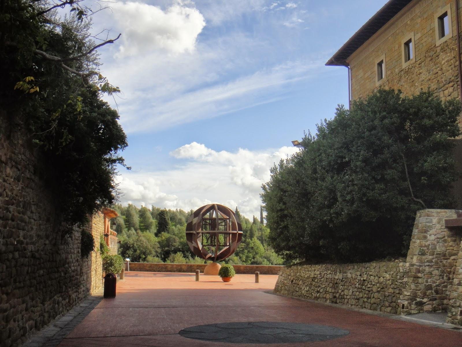 pátio do museu leonardiano em Vinci