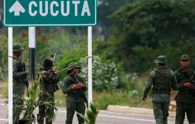 Soldados bolivarianos venezuelanos num dos fechamentos da fronteira com a Colômbia