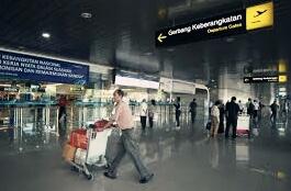 Panduan cara naik pesawat di bandara