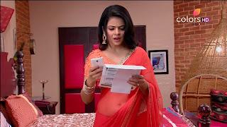 Jigyasa Singh from Thapki Pyaar Ki in Orange Transparent Saree (12).jpg